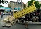 """Terminal Kemiling Ditutup Bongkahan Batu Besar Oleh """"Pemiliknya"""""""